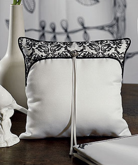 LOVE BIRD DAMASK RING PILLOW BLACK & WHITE