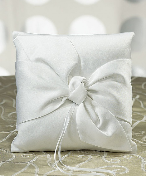TIE THE KNOT RING PILLOW WHITE