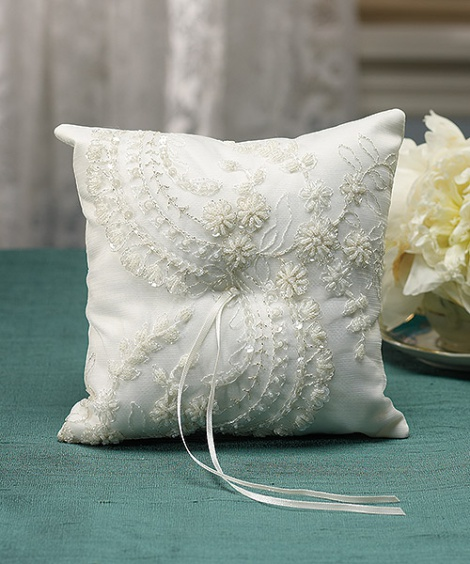 VENETIAN ELEGANCE RING PILLOW IVORY