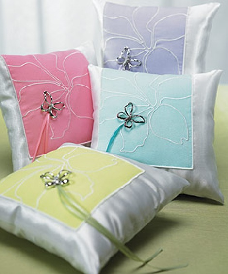 BUTTERFLY DREAMS RING PILLOW LAVENDER