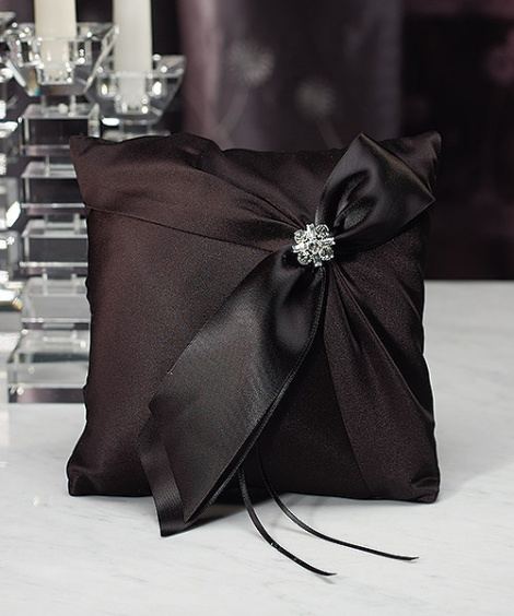 MONROE RING PILLOW BLACK