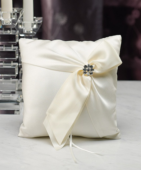 MONROE RING PILLOW IVORY