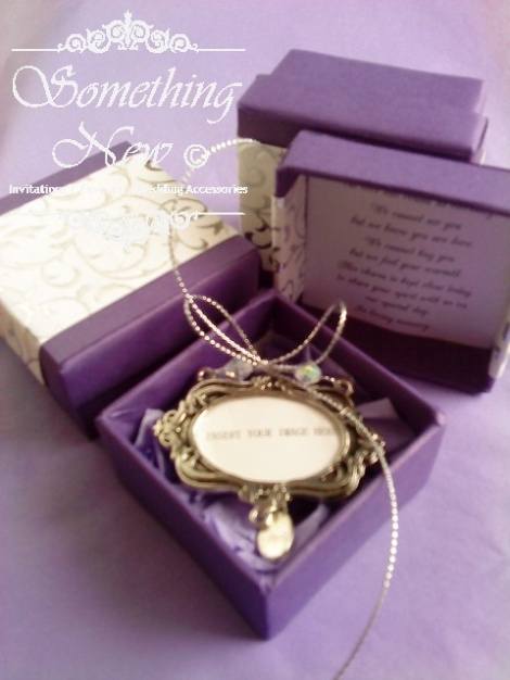 MEMORIAL PHOTO FRAME CHARM WITH GIFT BOX