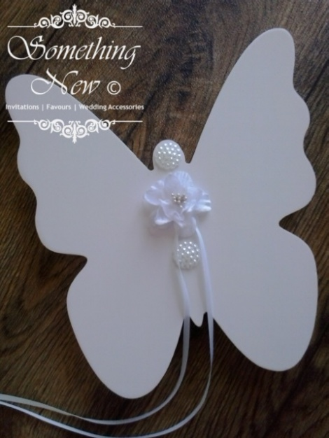 SOLID WOODEN BUTTERFLY RING HOLDER