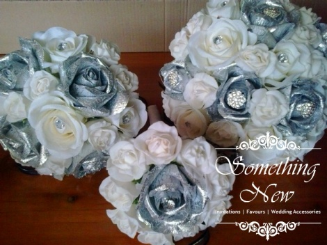 SILVER & IVORY ROSE BOUQUET