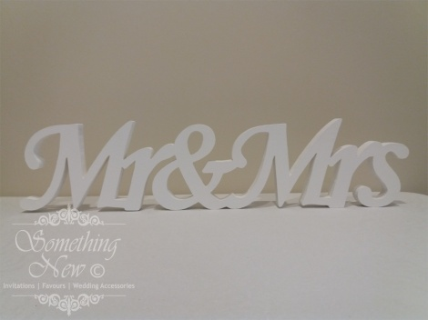 HIRE WOODEN SIGN - MR & MRS 12CM