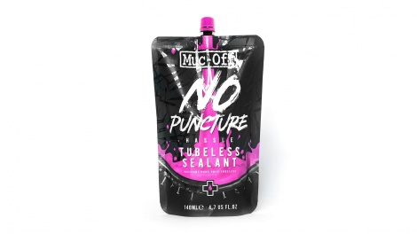 Muc Off Tubeless Sealant Pouch