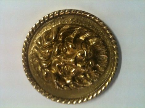 Brass Lion's Head Holdback