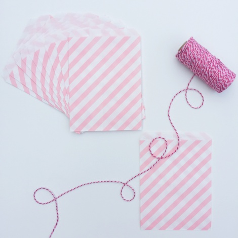 10 STRIPED PAPER BAGS - PALE PINK