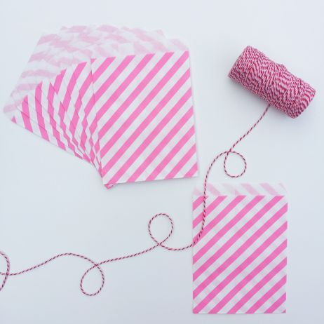 10 STRIPED PAPER BAGS - BRIGHT PINK
