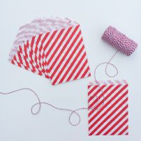 10 STRIPED PAPER BAGS - RED