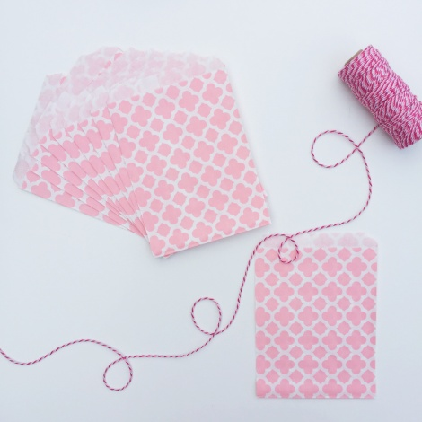 10 PATTERNED PAPER BAGS - PALE PINK