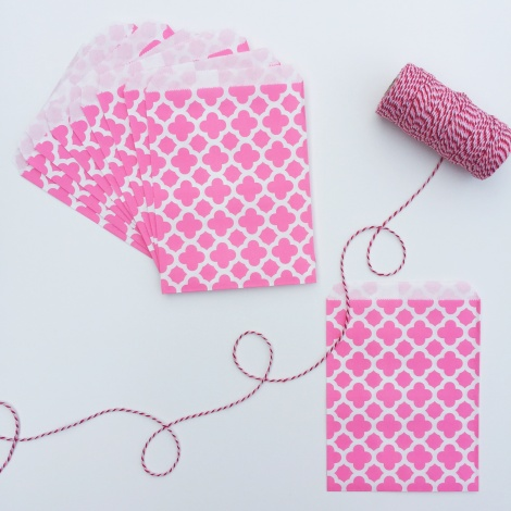 10 PATTERNED PAPER BAGS - BRIGHT PINK