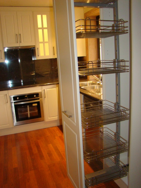 PULL OUT PANTRY GIVING GREAT ACCESS TO YOUR STORAGE