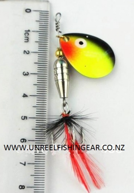 BLADE SPINNER LURE WITH FEATHER