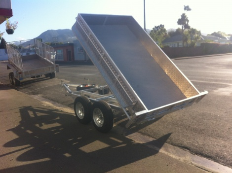 Tandem Axle Tip Trailer 9 x 5 non braked