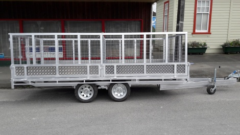 Tandem Flat Deck 4m x 2m with stock crate