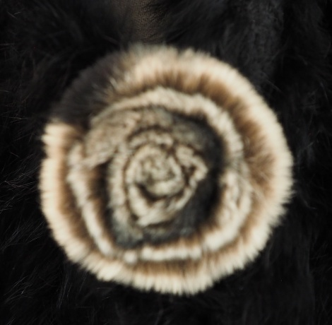 A wonderful soft beige toned Fur Brooch & clip