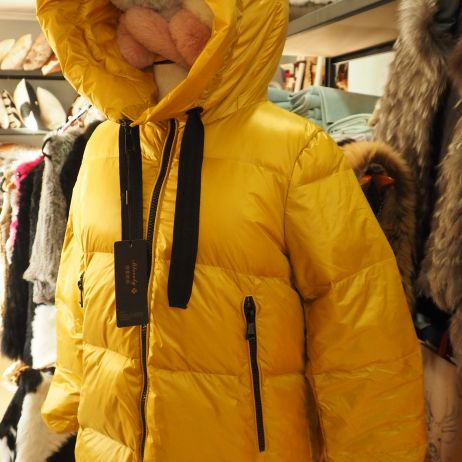 Lightweight & Super Warm - A Smart & Stylish Yellow Gold Down Filled Parka