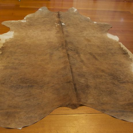 LEX/12: A BIG AND BEAUTIFUL BEAR OF A HIDE - A WARM AND WELCOMING COWHIDE RUG