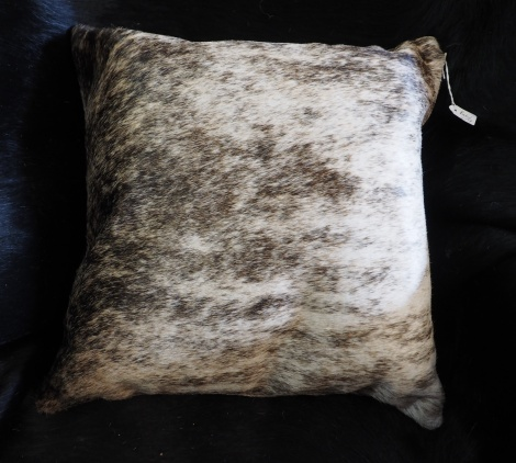 EX/4:A Wonderful Grey Wave - A gorgeous exotic cowhide cushion
