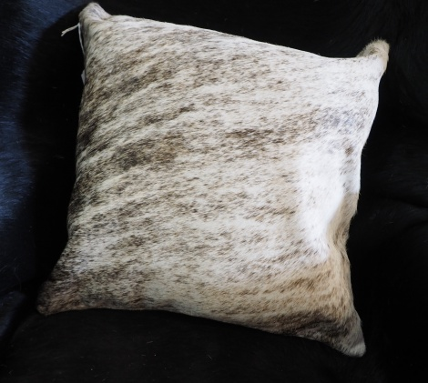 EX/5:A Beautiful Cowhide Cushion Cover - natural style!!