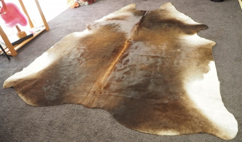 AS/23: A LOVELY MIX OF BROWN BLACK & GREY - A GORGEOUS DARKENED NECK - A BEAUTIFUL COWHIDE RUG