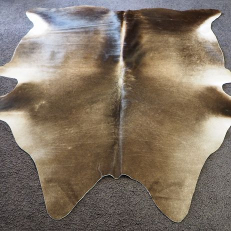 ASs/34: CHARCOAL GREY TONES AND A STRIKING CENTRE BLAZE - A BEAUTIFUL HAND SELECTED COWHIDE RUG