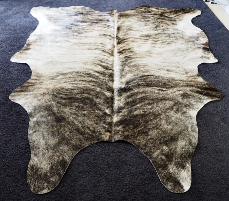 Prem/19 - A Beautiful Grey wave over a pale Base - A Stunning Premium Cowhide Rug
