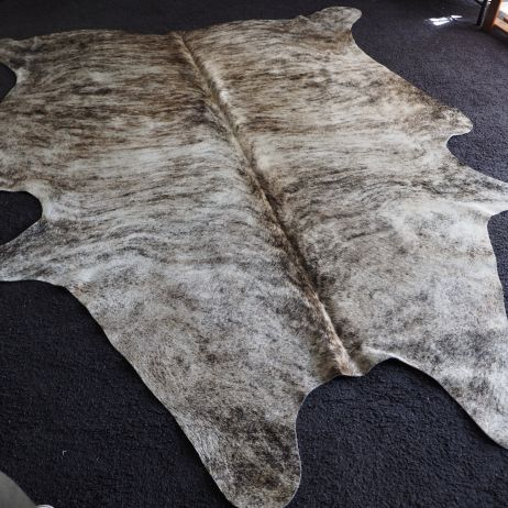 Ass/45: A Beautiful Light Exotic Cowhide Rug