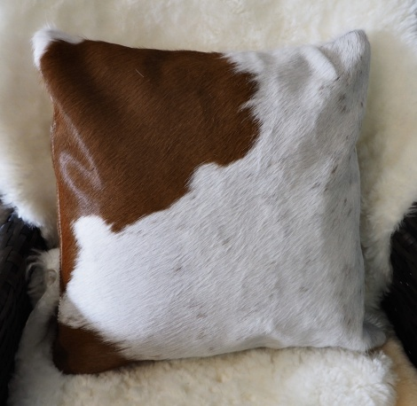 BRW40/11: A Lovely White Marked with Brown 40cm Sq Cowhide Cushion