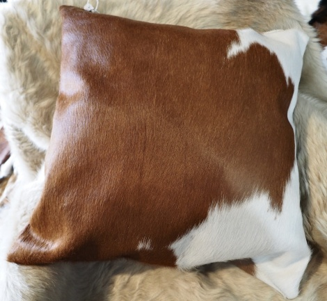 BRW50/3: A Beautiful 50cm square Cowhide Cushion in rich Hereford Tones