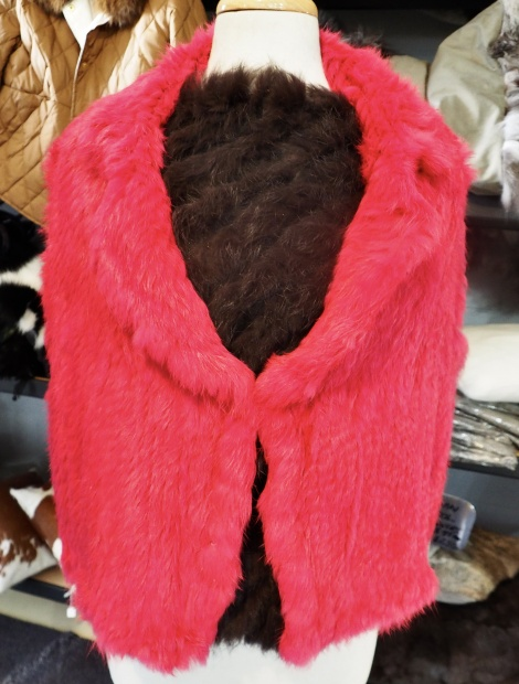 BRIGHTEN YOUR WINTER WITH THIS GORGEOUS PINK VEST - SUITS A SIZE 14 TO 16