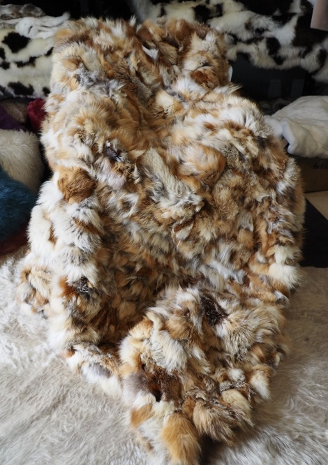 Natural Red Weighted Fox Fur Throw - Simply Divine