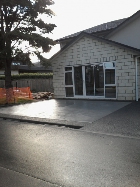 Plain Concrete With Exposed Aggregate Border