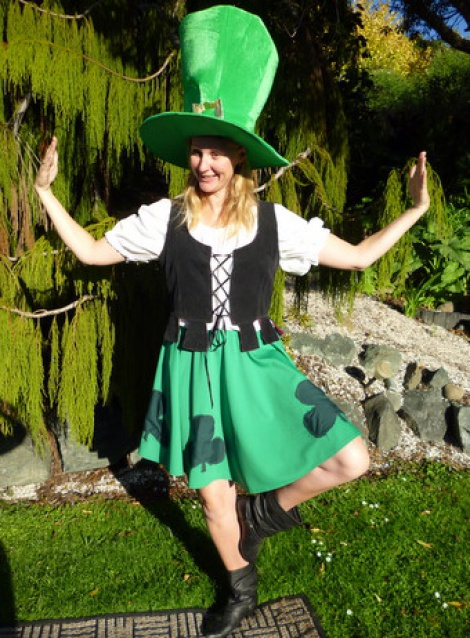 National Costumes - Dance a Jig as an Irish Lass