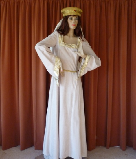 Medieval Princess -Beige Gold