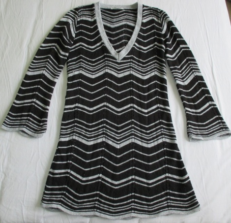 Vintage 60s Missoni-esque zigzag knit dress