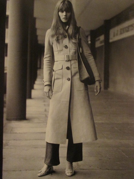Vogue 70s long trench