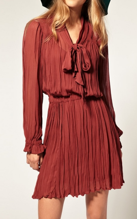 YSL-esque 60s necktie pleated dress