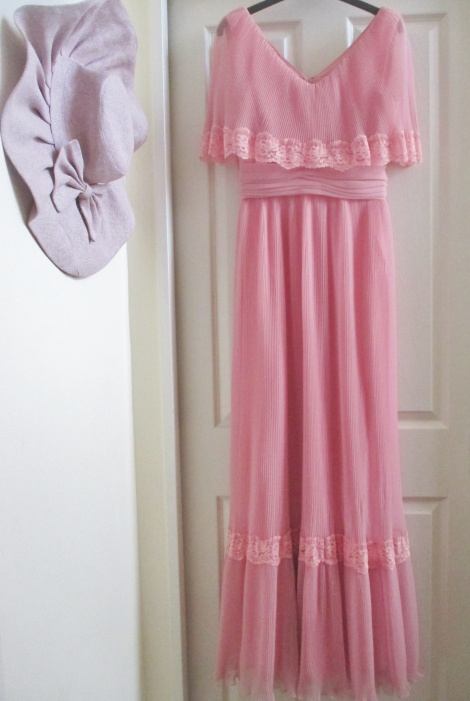 Vintage 70s pleated cape maxi