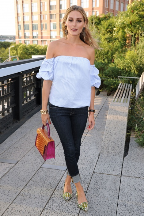 Off-shoulder bustier shirt