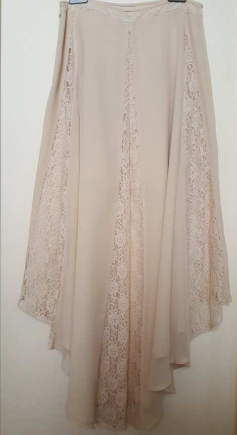 Floaty lace accent skirt