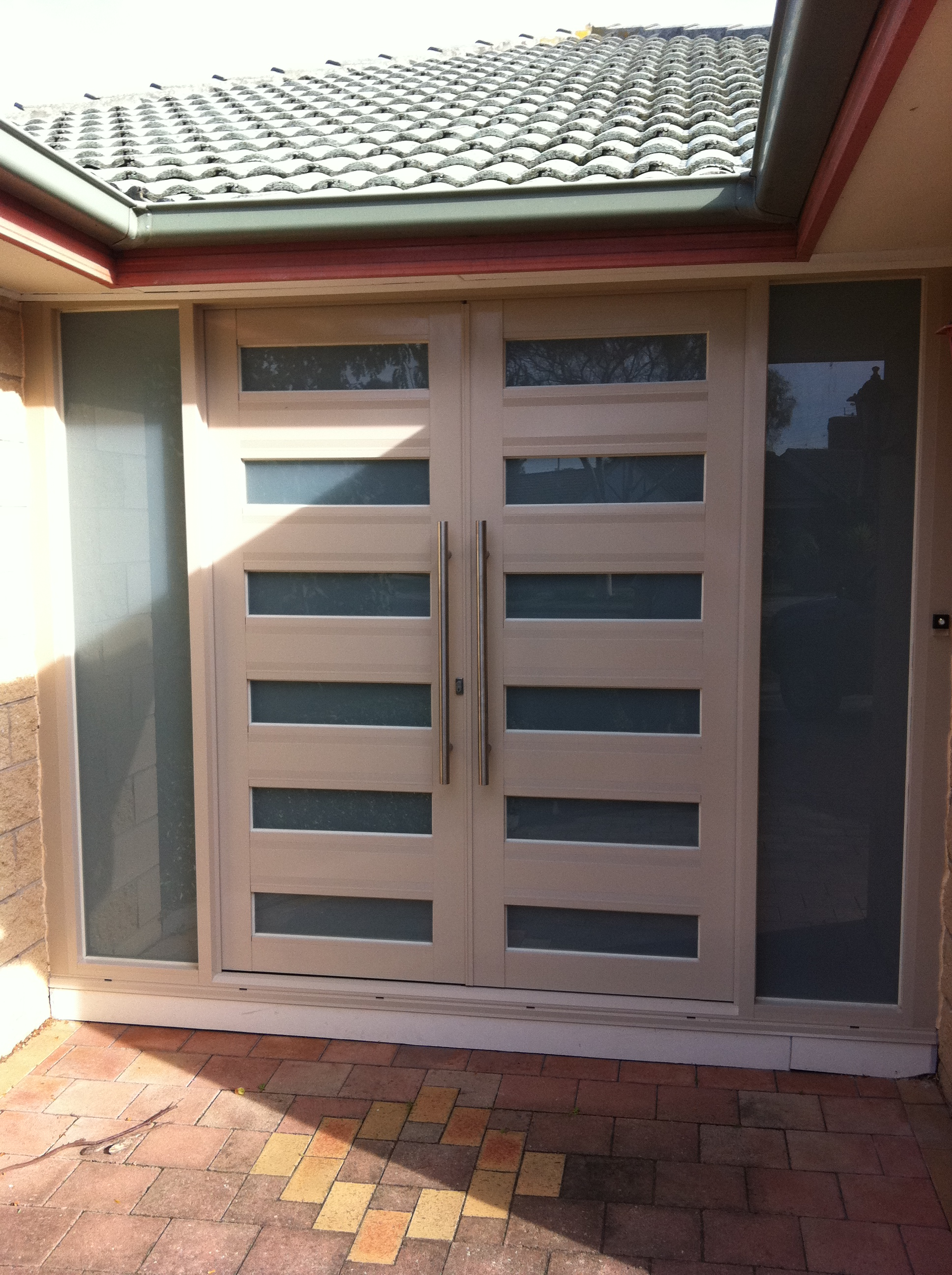 Residential front doors spk glass and aluminium for Residential front doors with glass