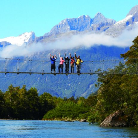 Fiordland: Tramping with all the trimmings