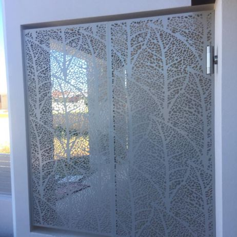 Powder coated aluminium routerd decorative privacy screen