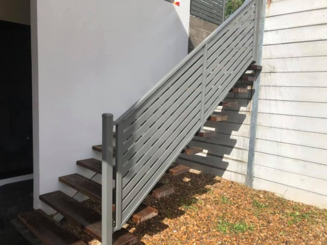 Slatted aluminium Raked stair balustrade