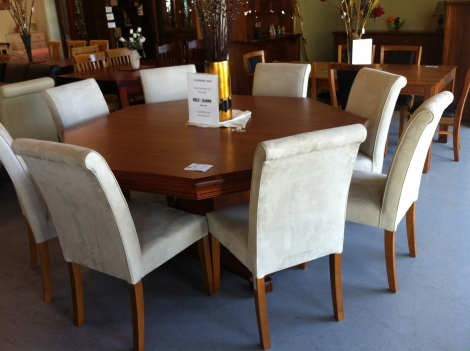 T03 OCTAGON DINING TABLE