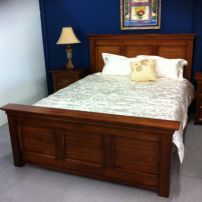 B06 PARKFIELD QUEEN SIZE BED