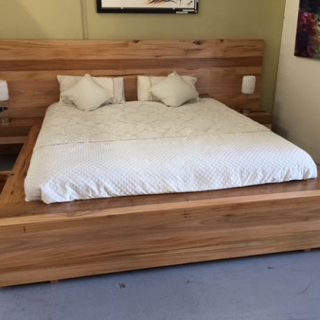 B03 KING SIZE BED
